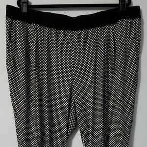 Chic H&M B&W polka dot pull on trousers, 2X
